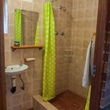 Bathroom, Rainbow Cottage